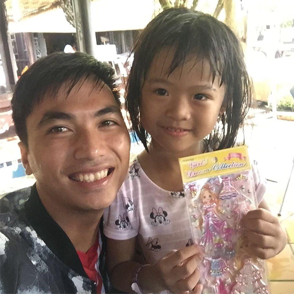 dạy bơi trẻ em