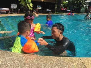 dạy bơi 9999