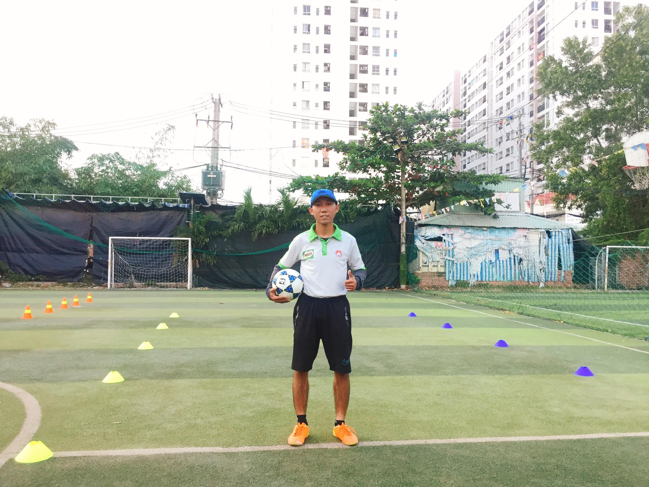 học bóng đá